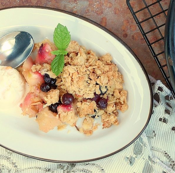 Apple & Blueberry, Oaty Crumble