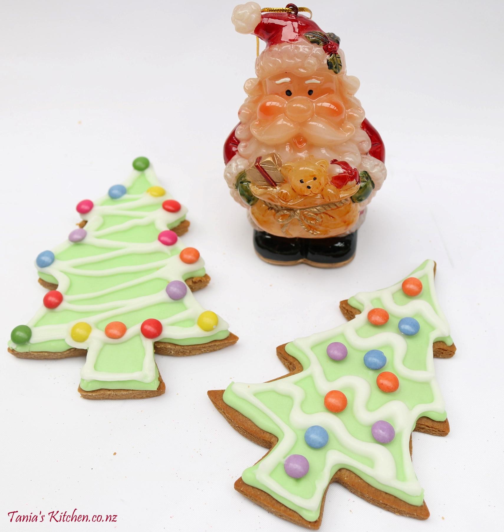 Gingerbread Christmas Tree.Gingerbread Christmas Trees