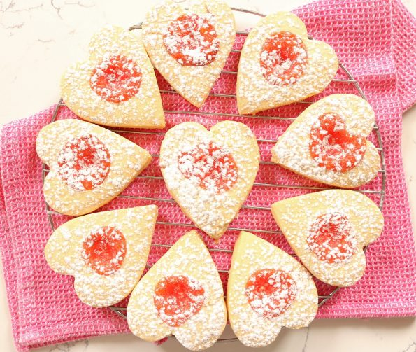 Shortbread Sweethearts